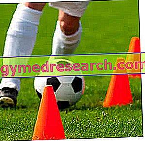Hoe je een atletische training voor een voetbalspeler opzet