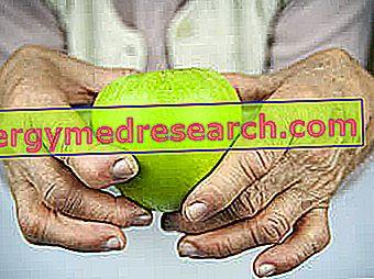 Artrita reumatoidă: Dieta, suplimentele, terapiile alternative