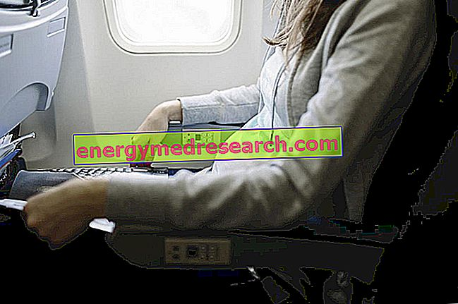 Călătoriile cu avionul în timpul sarcinii: există contraindicații?