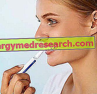 القلم لتبييض الأسنان بياض