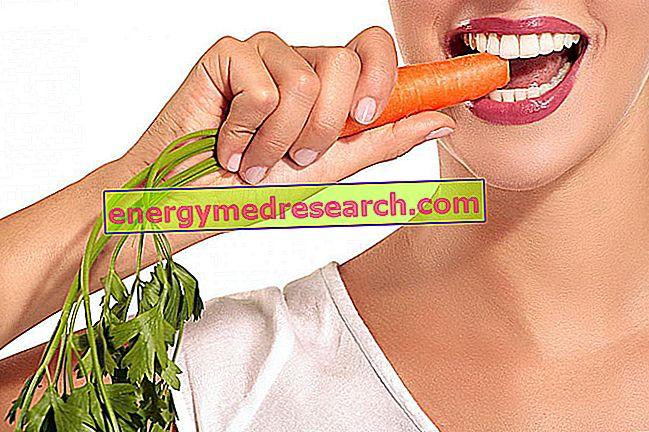 Maistas, kuris yra geras dantims ir kovoja su dantų ėduonimi