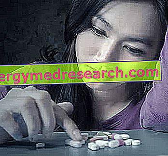 Drogová závislosť, drogy a látky